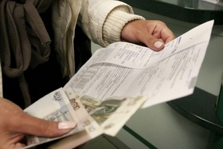 Выписаться из квартиры с долгами