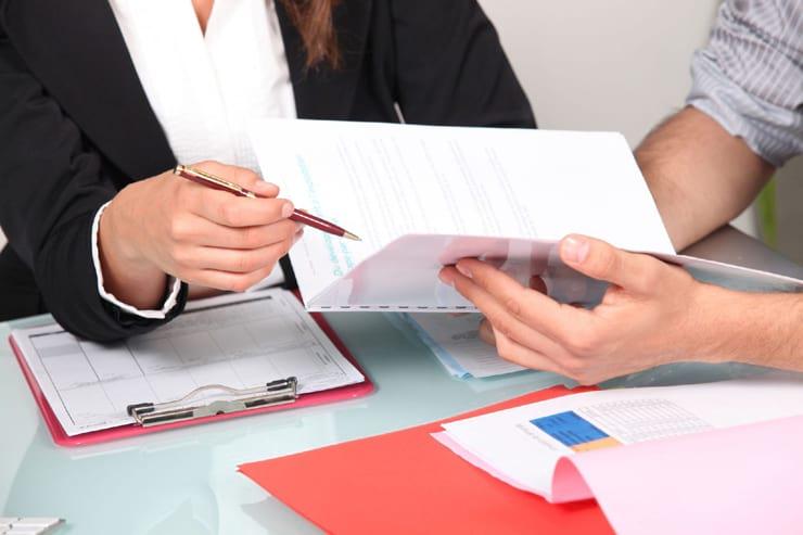 Свидетельство и справка о регистрации по месту жительства: образцы, бланк заявления, где получить карточку формы 9, сведения о форме 8