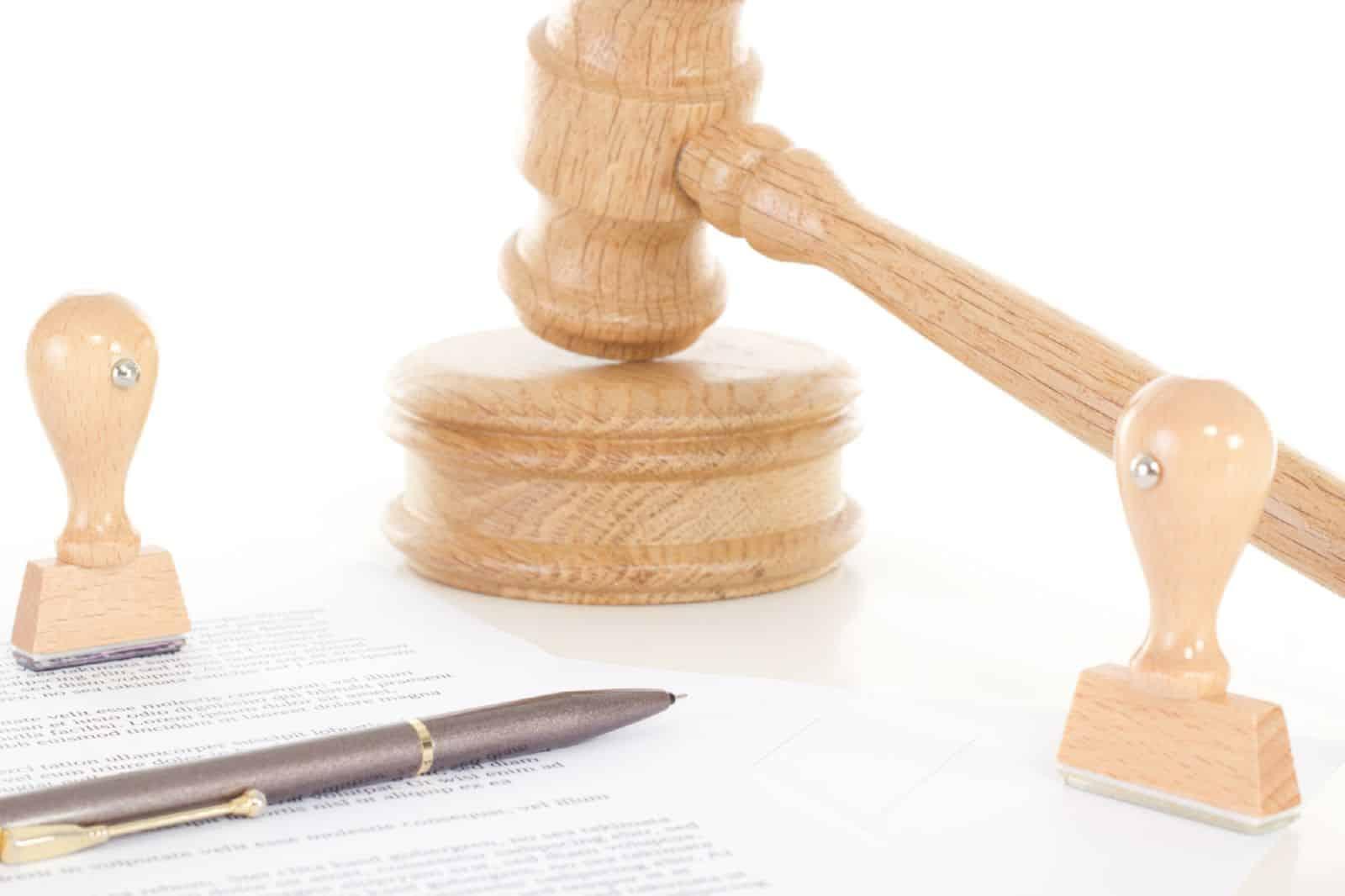 Переход права собственности на служебное жилое помещение