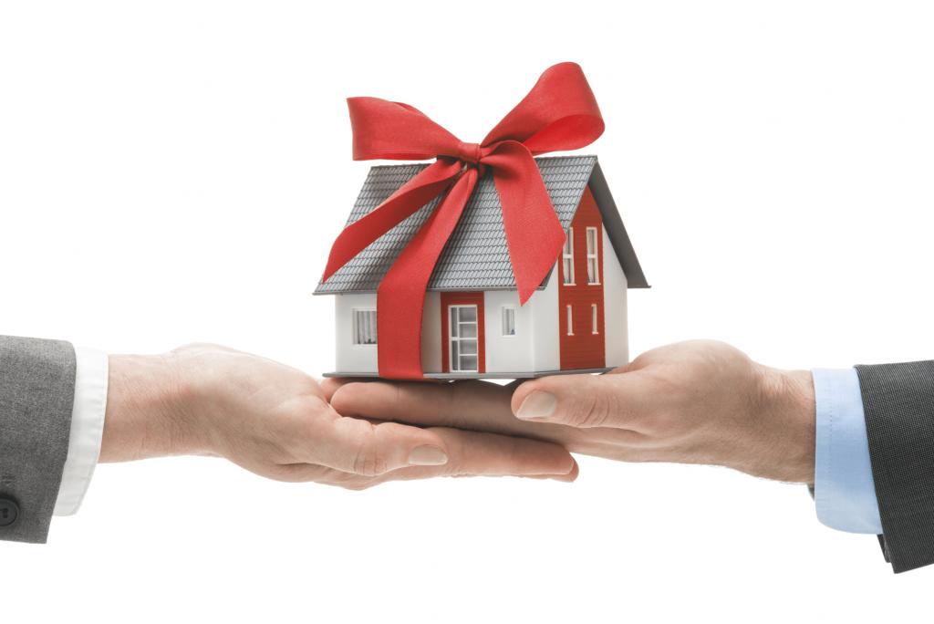 Если договор дарения составлен между ближайшими родственниками то декларация не подается